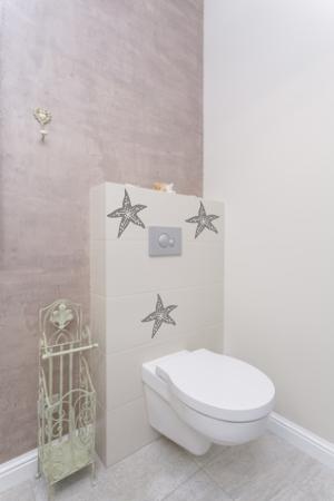 Naklejki na kafelki do łazienki z motywami morskimi i rozgwiazdy